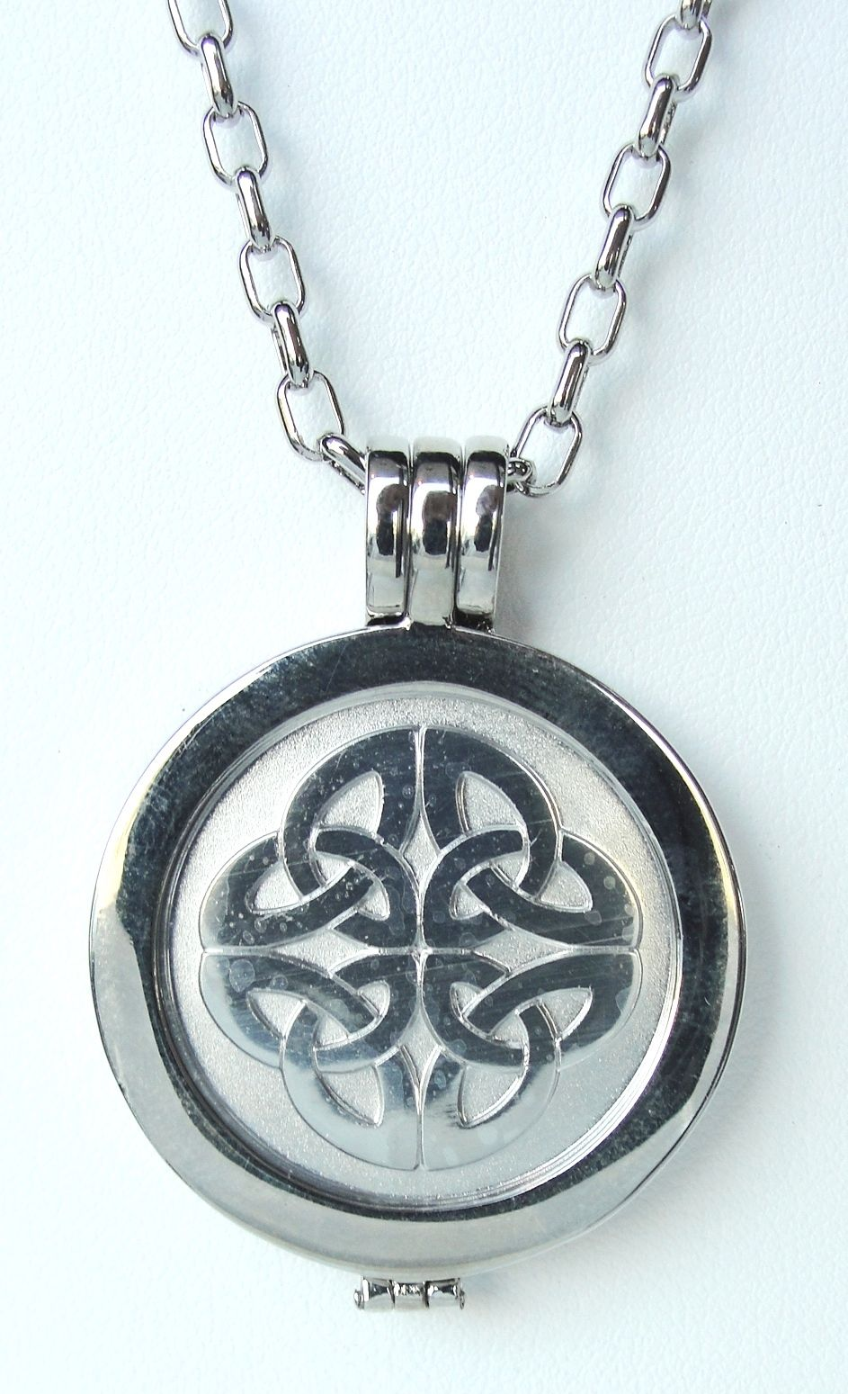 Interchangeable coin necklace ireland / Medal count 2018